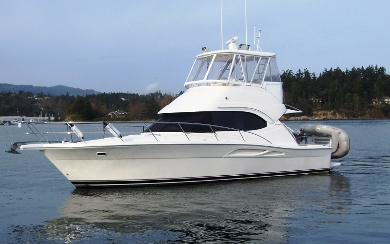 37' Riviera Flybridge Convertible 2004